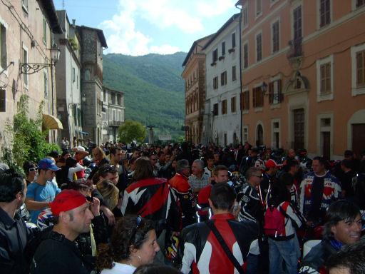 Motobenedizione 2005: c'era un sacco di gente con moto di tutti i tipi.