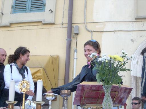 Motobenedizione 2005: Deborah ha anche letto durante la messa.
