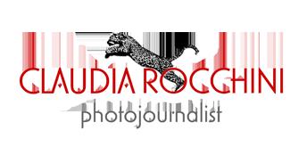 Claudia Rocchini: Il fotoreporter è come il giornalista. L'unica differenza è che scrive con la luce